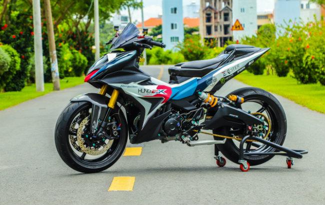 """Xe Yamaha Exciter độ """"hút sinh khí"""" từ các môtô hàng khủng 1546631562"""