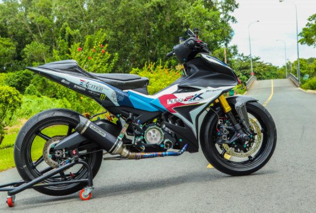 """Xe Yamaha Exciter độ """"hút sinh khí"""" từ các môtô hàng khủng 1546631574"""