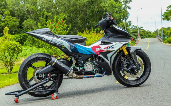 """Xe Yamaha Exciter độ """"hút sinh khí"""" từ các môtô hàng khủng 1546631563"""